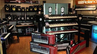 Nên chọn mua đàn organ của thương hiệu nào dành cho ngưới mới học