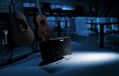 Vì sao bạn cần amply acoustic khi chơi guitar gỗ?