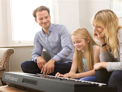 Đánh Giá Đàn Organ Roland E-X20 - Đàn Organ Roland Dành Cho Học Tập