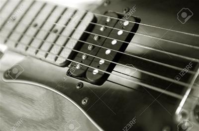 Hướng dẫn cách chọn mua dây đàn guitar điện phù hợp