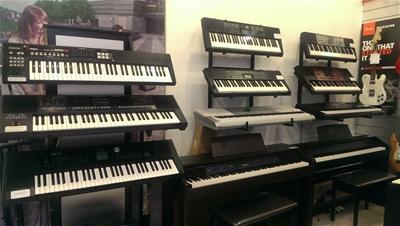 Cửa hàng bán đàn organ giá rẻ ở TP. Hồ Chí Minh giao hàng toàn quốc