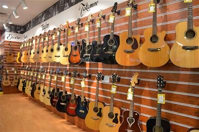 Những cây đàn guitar chính hãng tầm giá 10 triệu