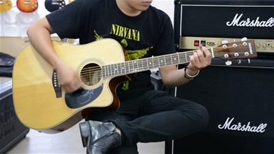 Đàn guitar giá rẻ cho sinh viên tại TPHCM