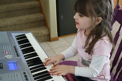 Mua đàn organ cho bé giá bao nhiêu là phù hợp