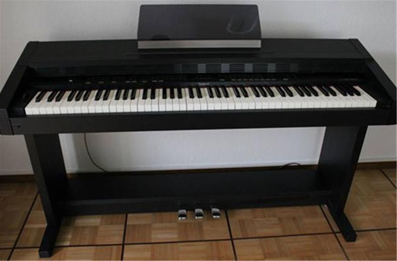 Đàn piano điện Roland KR-3000