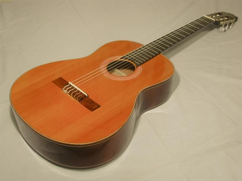 đàn guitar việt nam gỗ hồng đào