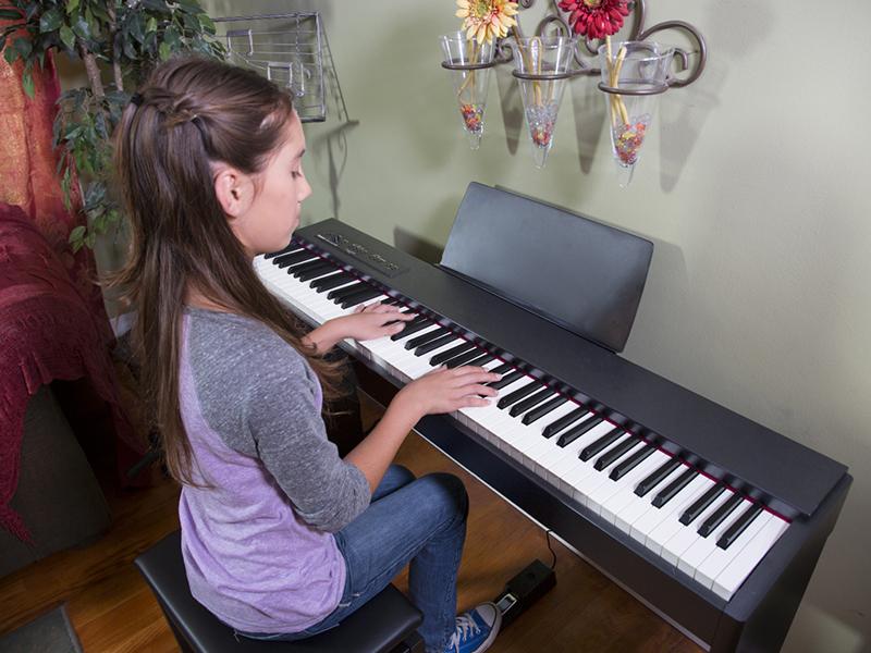 đàn piano điện Roland F-20 WH
