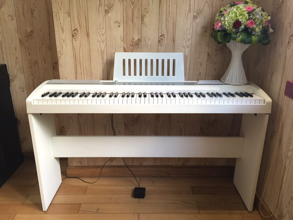đàn piano điện Korg SP-170S
