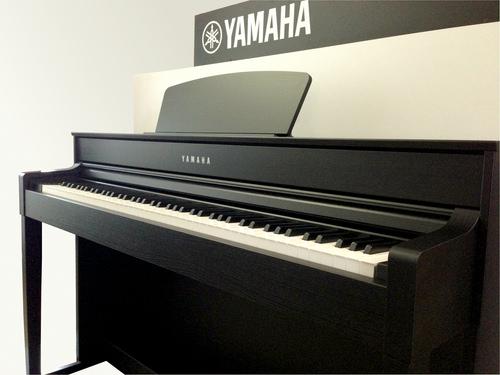 Đàn Piano Điện Yamaha CLP 535B